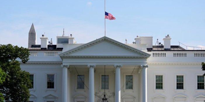 Beyaz Saray'da bayraklar yarıya indirildi