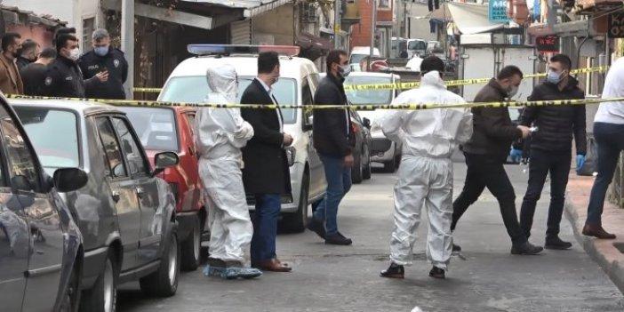 Beyoğlu'nda kötü kokudan rahatsız olan mahalleli polisi aradı. Battaniye sarılı halde bulundu