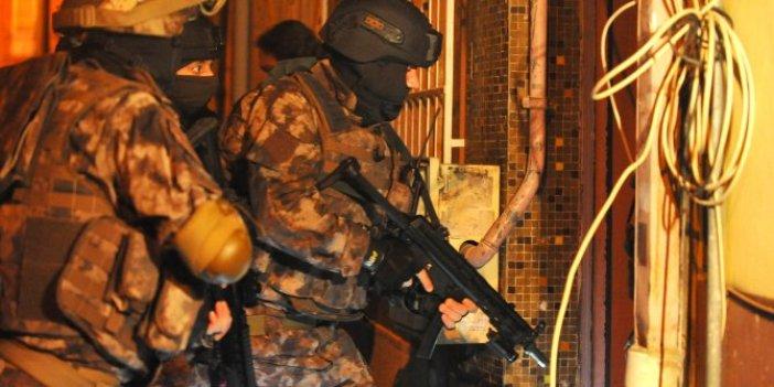 Yarbayın da arasında bulunduğu 17 askere FETÖ baskını