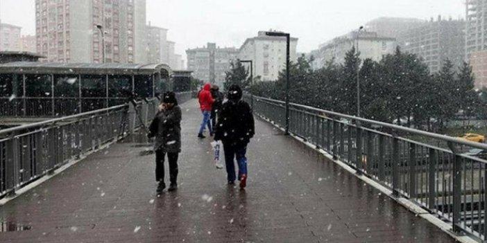 İstanbul'da kar yağışının kaç gün süreceği belli oldu. Meteoroloji'den müjdeli haber geldi. Bu tarihlere dikkat