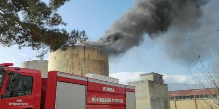 Bursa'da yıkımı yapılan fabrikanın silolarında yangın çıktı