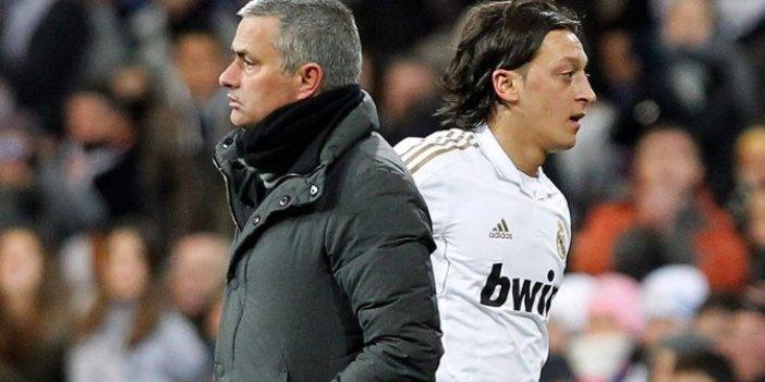 Jose Mourinho Mesut Özil'e mesaj gönderdi