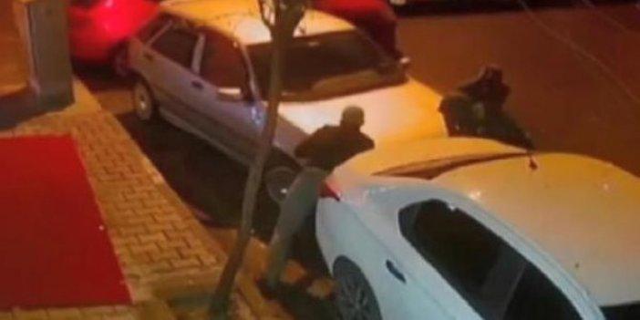 Bağcılar'da 4 hırsız arabayı ittire ittire çaldı