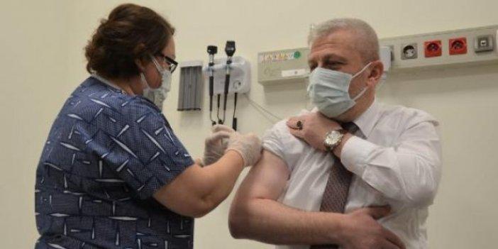 Yaptırdığı aşı plasebo çıkan Bursa İl Sağlık Müdürü yeniden aşı oldu