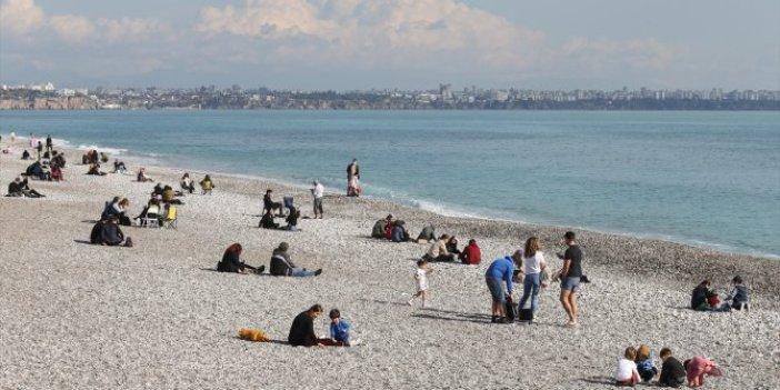 Antalya'da ocak ayında deniz keyfi yaptılar