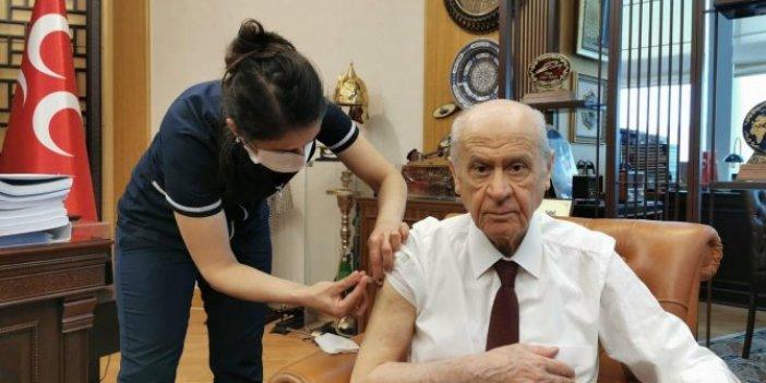 Flaş.. Flaş... Devlet Bahçeli MHP Genel Merkezi'nde korona virüs aşısı oldu
