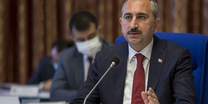 Adalet Bakanı Abdülhamit Gül'den Orhan Uğuroğlu'na gece yarısı telefonu