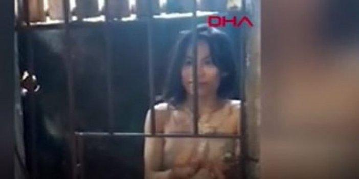 Filipinler'de öz kızlarını 5 yıldır kafese kilitlediler. İnsanlığın bitişi. Elbisesi çuvaldan