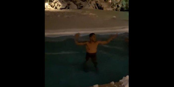 Josef de Souza Galatasaray'a gol atınca karlı havuza girdi