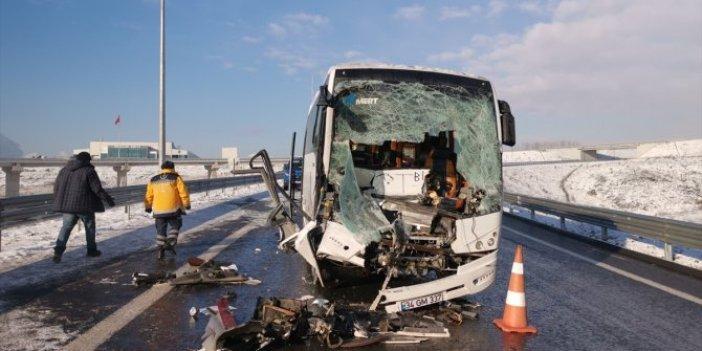 Kocaeli'de turistleri taşıyan midibüs kaza yaptı: 10 yaralı