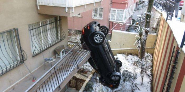 Üsküdar'da kaza. 10 metre kaydı bahçeye uçtu dik durdu