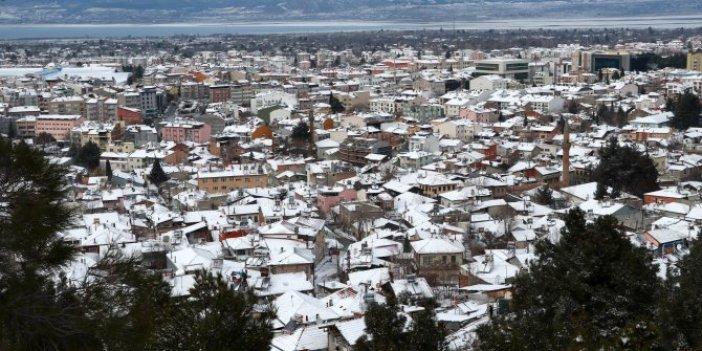 Burdur'da kar yağışı etkili oldu