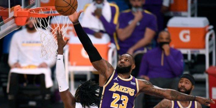 NBA'de Lakers'ın serisine Warriors son verdi