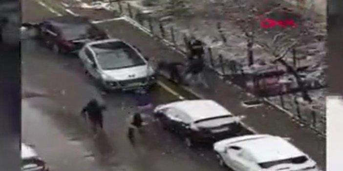 Gelecek Partili Selçuk Özdağ'a saldırı anının görüntüsü ortaya çıktı. Silah sesleri duyuldu