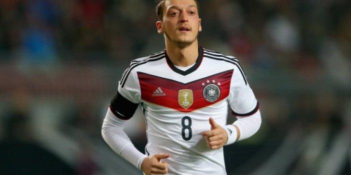 Mesut Özil'in neden Alman Milli Takımı'nı seçtiği ortaya çıktı. Gazeteci İsmail Er eski defterleri açtı