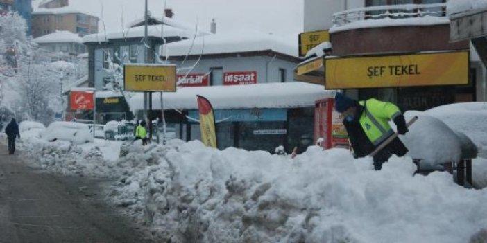 Bartın'da yoğun kar yağışı nedeniyle 150 köy yolu ulaşıma kapandı