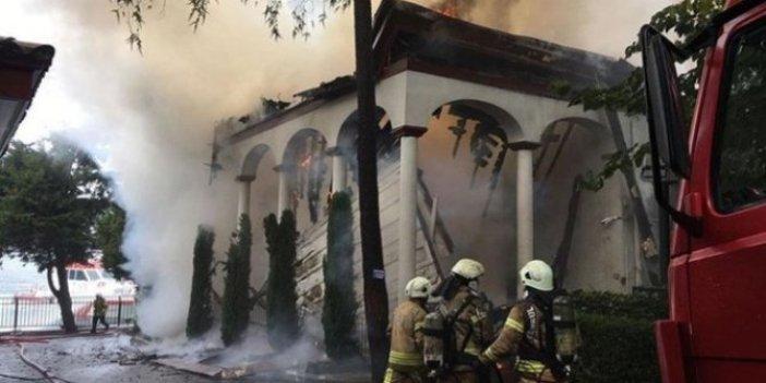 Yangında kül olan tarihi Vaniköy Cami ile ilgili flaş gelişme