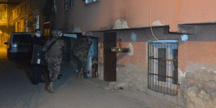 Kuru sıkılı intihar girişimi. Adana polisini alarma geçirdi. Özel harekat devreye girdi