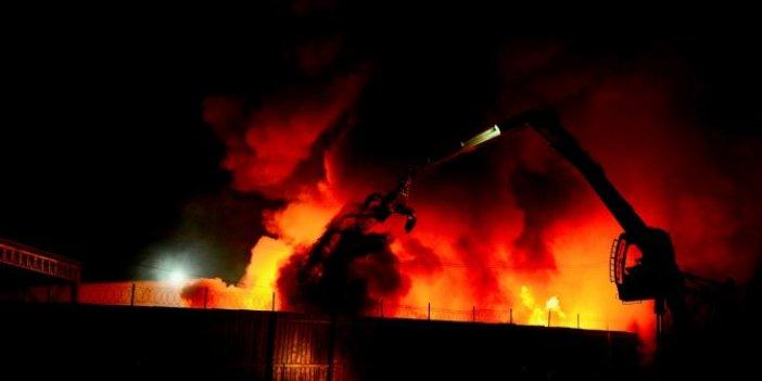 Büyük yangın saatler sonra güçlükle söndürüldü