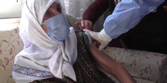 103 yaşında korona virüs aşısı oldu