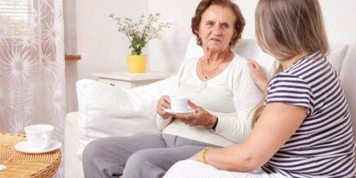 SGK annelere emeklilik kapısını açtı. Emeklilik yaşı öne çekiliyor
