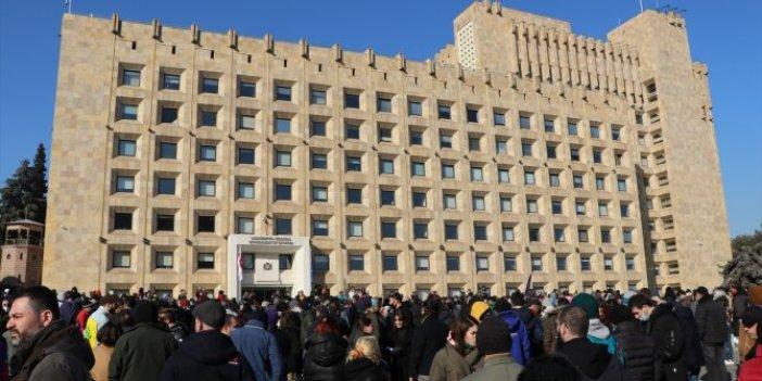 Gürcistan'da korona tedbirleri protestosu