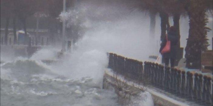 İstanbul'da fırtına!