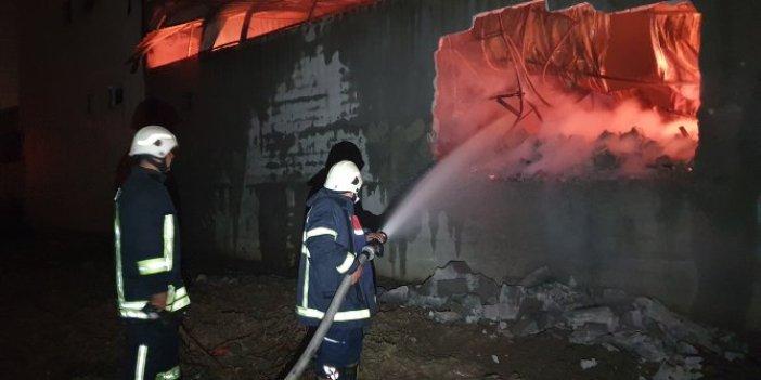 Adana'da gecenin karanlığını alevler aydınlattı