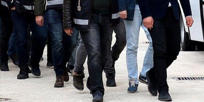 İzmir'de FETÖ'nün hücre evlerine operasyon. Çok sayıda gözaltı var