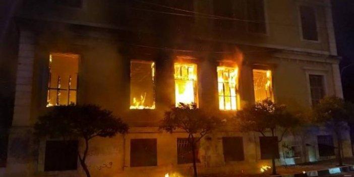 Lübnan'daki kamu binaları ateşe verildi, protestolar önlenemiyor