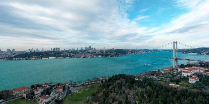 İstanbul Boğazı'nda neler oluyor. İlk defa kış ayında turkuaz rengine büründü!