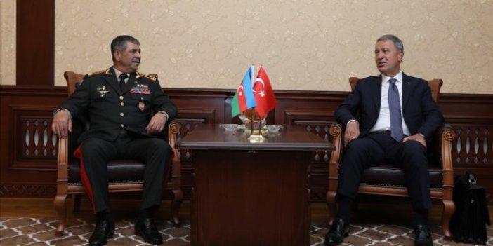 Bakan Akar Azerbaycan Savunma Bakanı Zakir Hasanovile telefonda görüştü