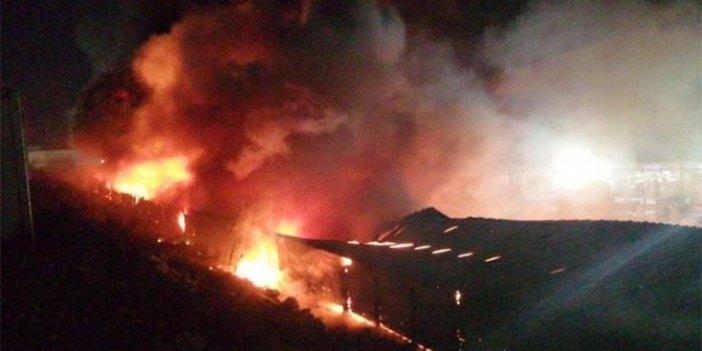 Esenyurt'ta fabrika yangını, müdahale sürüyor