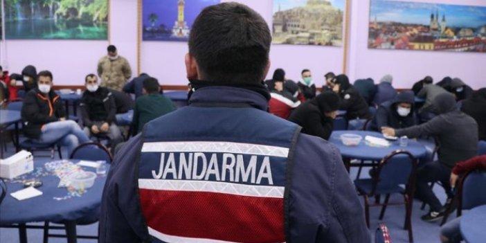 İzmir'de kumar oynayanlara gece baskını, 2,5 milyon lira ceza kesildi