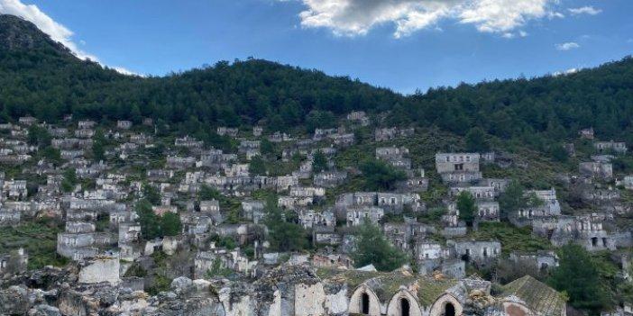 Muğla'daki hayalet köyün gizemli evleri ürpertiyor. 98 yıldır kimse kalmıyor.