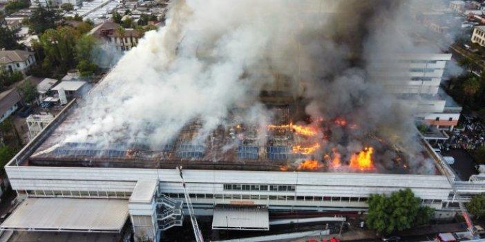 Şili'de hastane cayır cayır yandı dumanlar gökyüzünü kapladı.Hastalar bahçeye çıkartıldı