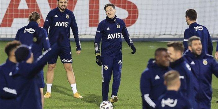 Mesut Özil Hatayspor maçının kadrosunda yer aldı