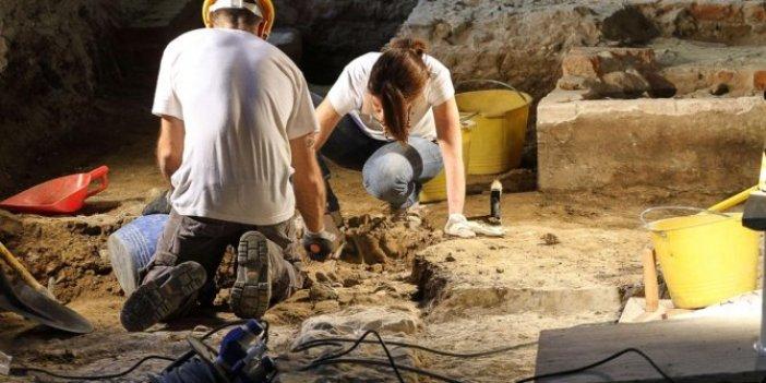 İsrailli arkeologlar kazmayı vurdukça sevinç çığlığı attı. Altından bile daha değerli