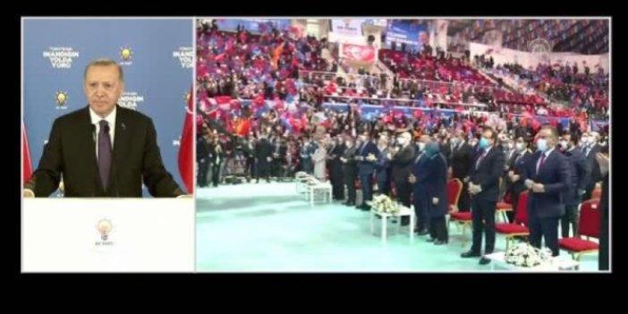 AKP kongresinde sürpriz isim. İttifak iddialarını güçlendirdi
