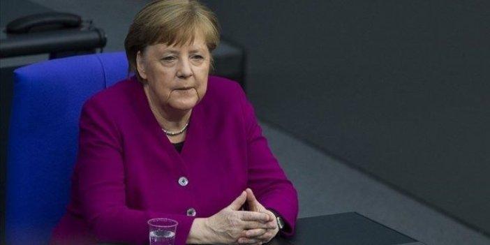 Almanya Başbakanı Merkel'den yaz sonuna kadar herkese aşı açıklaması