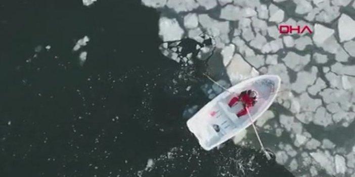 Finlandiya'da buz kütleleriyle ölüm kalım savaşı. Elleri patlayana kadar kürek çekti