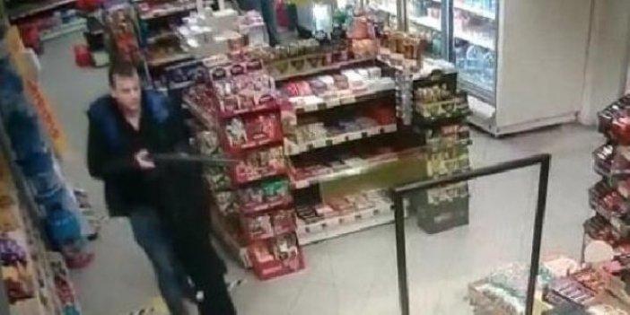 İzmir'de 44 saniyede akılalmaz soygun. Akaryakıt istasyonunda korkutan anlar
