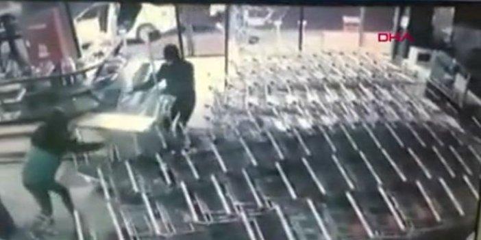 İstanbul'da kasayı açamayan soygunculardan pes dedirten yöntem