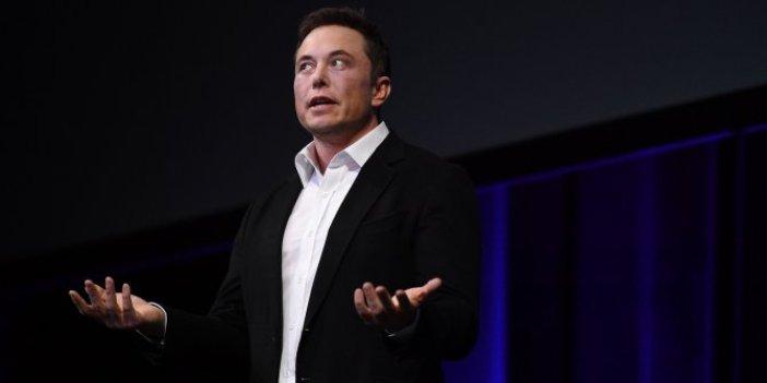 """Elon Musk """"saniyesinde üzerine giderdim"""" diyerek uzaylılar ile ilgili bildiklerini açıkladı"""